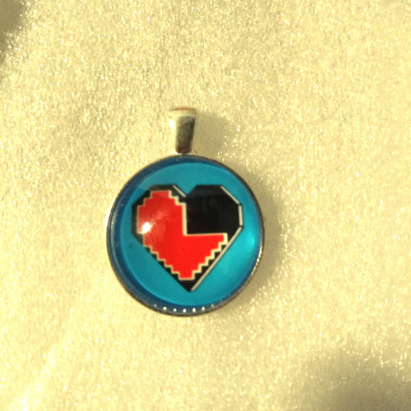 X-Rave Products Jewelry - VIDEO GAME HEART - Pendant Necklace - Rave Fashion